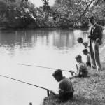 Laissez pêcher les petits enfants (concours de pêche enfants)
